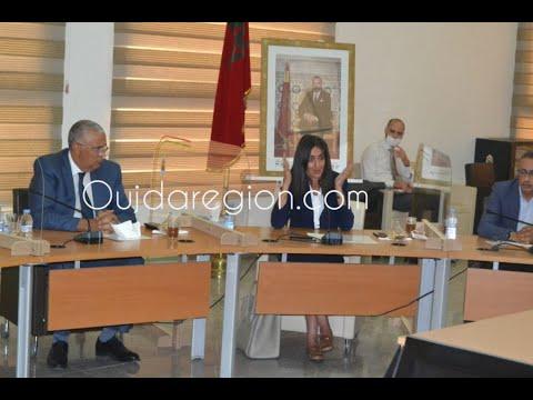 صوت وصور..وزيرة السياحة تجلس مع مهني السياحة بالشرق وتتصدى للخارقين للتدابير