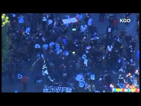 *RAW VIDEO* - Occupy Oakland - Police Tear Gas Protesters Again (Jan 28th, 2012)
