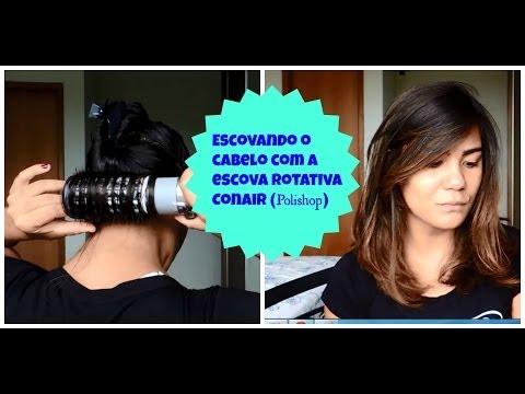 Escovando o cabelo na escova rotativa Conair da Polishop