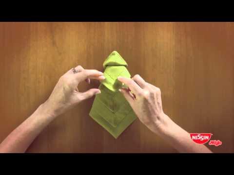 Aprenda a fazer guardanapos de Natal com a Nissin