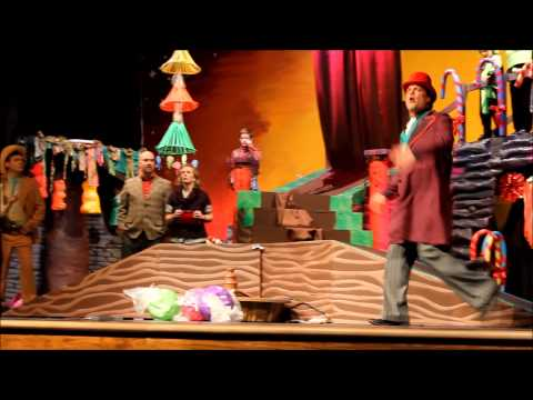 Hình ảnh trong video Charlie and the Chocolate Factory