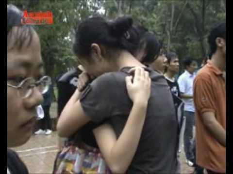 Fan Hà Nội khóc