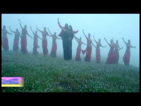 Bheemavaram-Bullodu-Movie-Oka-Vaipu-Nuvvu-Song