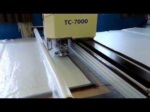 Máquina Automática de Cortar Tecidos - TC-7000