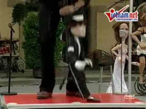 Độc đáo màn múa rối tưởng niệm Michael Jackson