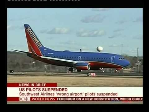 Southwest pilots suspended for 'wrong-airport-landing'