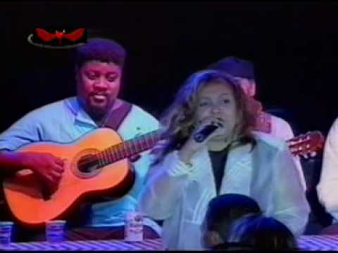 ALCIONE Y BETH CARVALHO - Não deixe o samba morrer