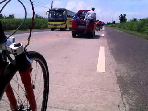 Nakisabay din sa Road race cycling Team MANYAKIS. Hahaha