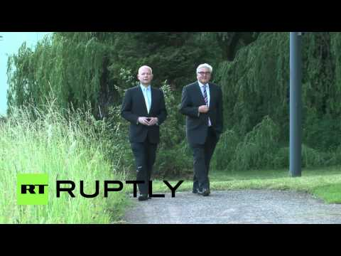 Germany: Hague and Steinmeier take a stroll to discuss Europe