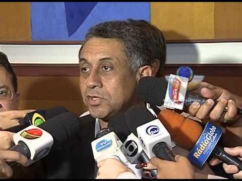 Prefeito anuncia redução de R$ 0.15 na tarifa do ônibus em Uberlândia
