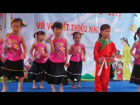 Múa Xúc xắc xúc xẻ ( Mẫu giáo lớp Khu 5 - Mầm Non Thụy Lâm - Đông Anh - Hà Nội)