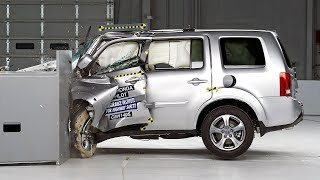 2014 Honda Pilot Small Overlap IIHS Crash Test