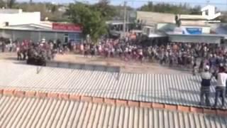 Cảnh sát cơ động đối đầu với người dân Bình Thuận
