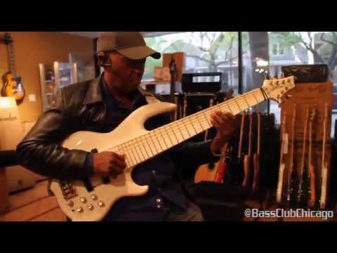 BIll Dickens demos an Aguilar Tonehammer 350 and GS112 cab @ Bass Club Chicago