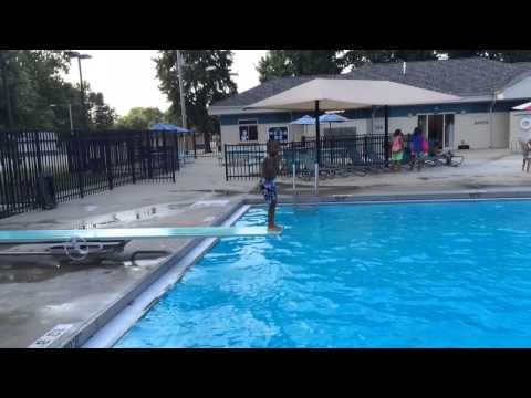 5 year old swimming in water 10 feet deep
