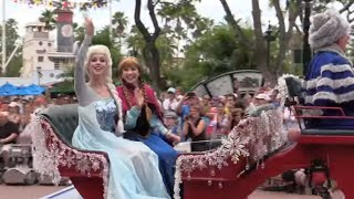 Frozen Royal Welcome Show, Parade, Sing-along With Anna