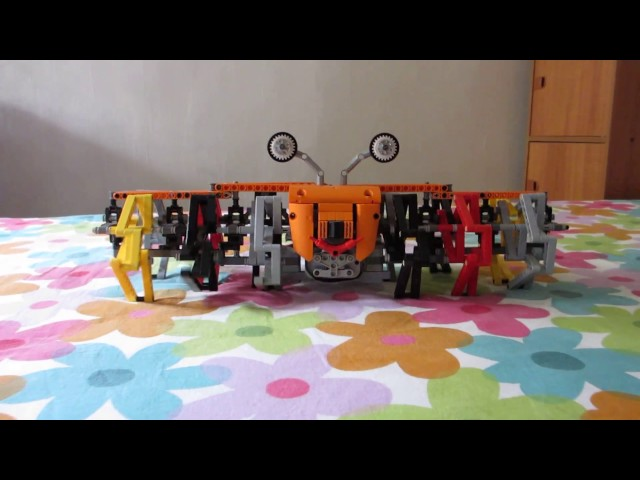 12 Legged LEGO Technic Walking Machine