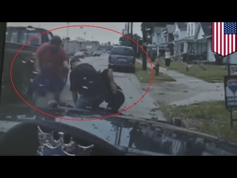 Good Samaritans help cop tackle burglar suspect in Franklin, Ohio - dash cam video