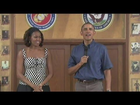 Obamas visit Marines in Hawaii