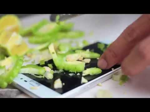 Kinh hoàng khi chứng kiến cảnh tra tấn smartphone ARBUTUS AR5 công nghệ Nhật