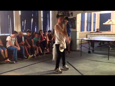 Pumped Up Kicks (Dubstep Dance Battle)