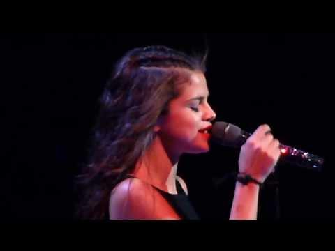 Selena Gomez = Royals (Lorde Cover) = Winnipeg MTS Center - Stars Dance Tour Live 2013