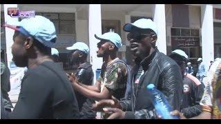 طرائف مع احتجاجات مهاجرين من افريقيا في عيد الشغل (فيديو) |