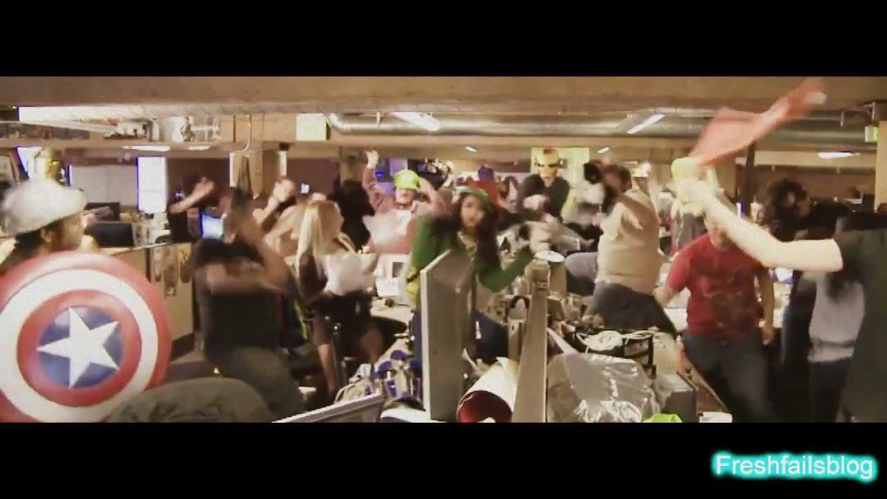 The Harlem Shake kwkwkwkwkwkwk Minta WOW nya dong! :)