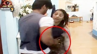 Bigg Boss 7 Kushal Tanisha UNCENSORED In Bigg Boss 7 8th