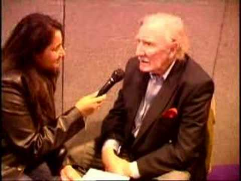Sir Leslie Phillips Interview at the Memorabilia Show