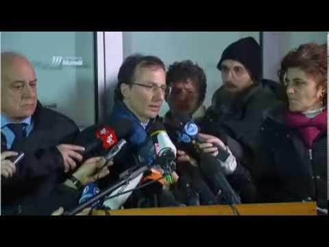 Amanda Knox Verdict Press Conference. All In Italian