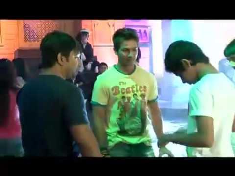 Shahid Kapoor saves Anushka Sharma