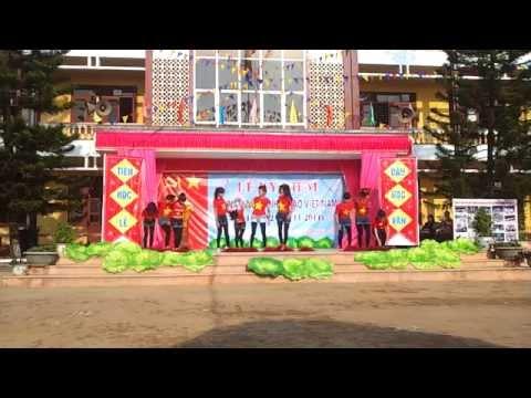 Trường THPT Tứ Sơn Lục Nam Bắc Giang aerobic chào mừng 20/11 ngày nhà giáo việt nam năm 2014