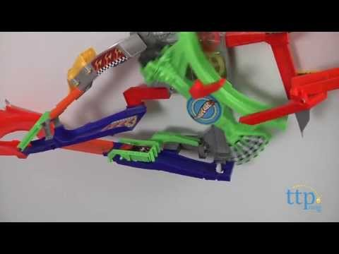 Hot wheels wall tracks roto arm revolution from mattel for Hot wheels wall tracks template
