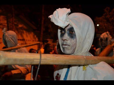 Seramnya Tongklek Hantu Pocong Di Kota Tuban