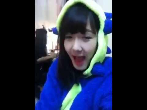 Video Clip Con Bướm Xuân Cover By Khủng Long Xinh