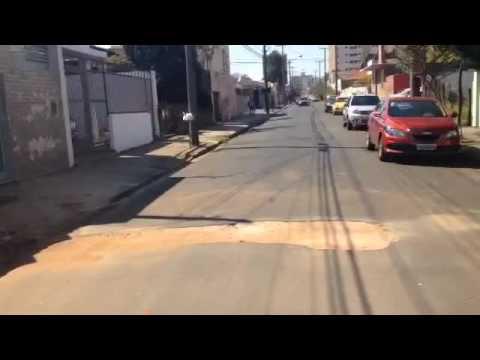 Vídeo Cidade abandonada: Vídeo mostra buraco gigante que pode causar grave acidente na Padre Teixeira