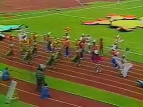 1974 - Trecho da cerimônia de abertura da Copa do Mundo de 1974 - TV Globo