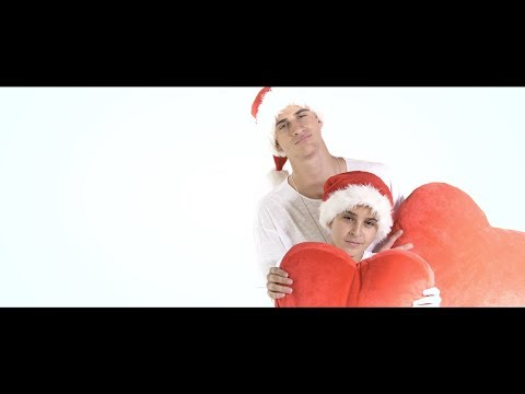 Ya Estamos En Navidad - Adexe & Nau