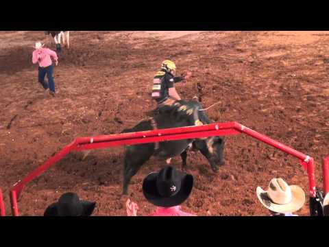 Rodeio PBR na Expopar - Silvano Alves (bicampeão mundial)