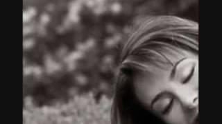 Cerrando mis ojos (audio) Ninel Conde