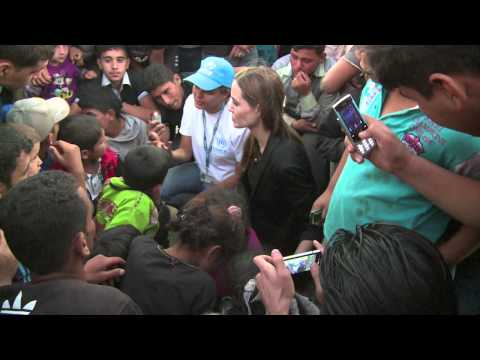 ANGELINA JOLIE: WITH SYRIAN REFUGEES on JORDANIAN BORDER (UNHCR)