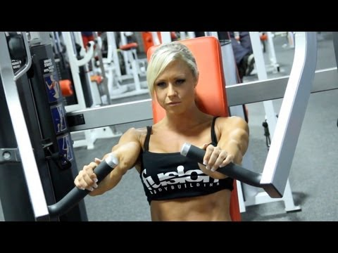 SARA FENNELL VLOG SERIES EPISODE #10 • 9 DAYS OUT FROM THE 2013 CBBF NATIONALS