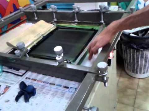 Serigrafia con maquina de serigrafia plana