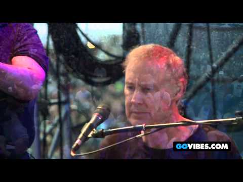 "Weir, Hornsby, and Marsalis Perform ""Standing on the Moon"" at Gathering of the Vibes 2012"