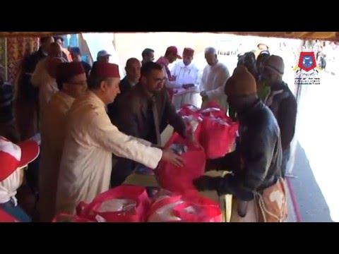 توزيع مساعدات إنسانية على المهاجرين الأفارقة بتيزنيت