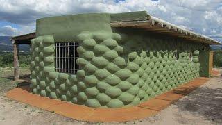 Casa construida con neumáticos