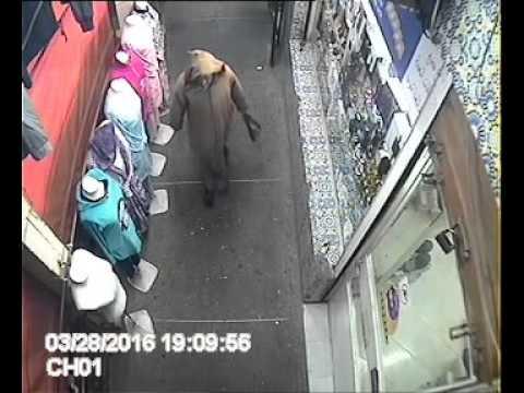 متسول يسرق محلا باولاد تايمة اتناء صلاة المغرب