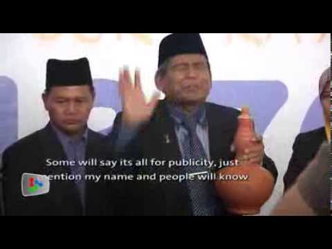 MH370: Bomoh uses 'magic carpet' to find Boeing