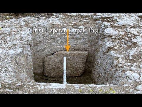 Kaya Mezar Girişleri ve Giriş Kapatma Yöntemi